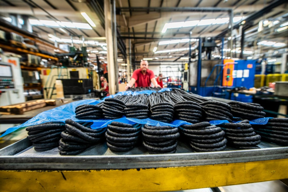 Rubber production for industrial heat exchangers